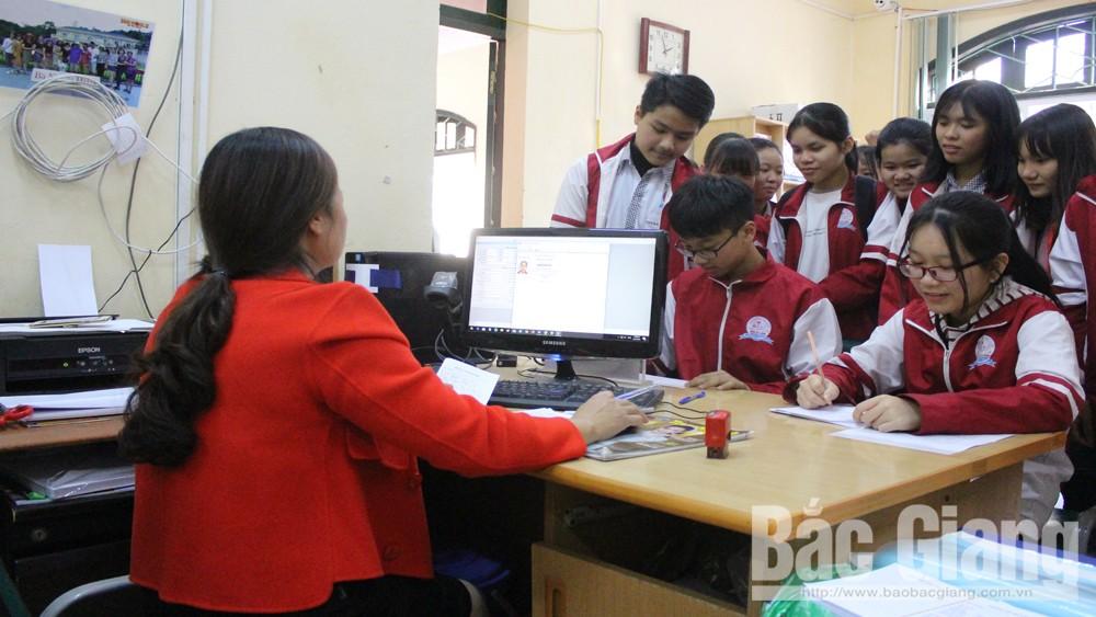 Thư viện tỉnh Bắc Giang tặng hơn 1 nghìn thẻ đọc miễn phí cho học sinh